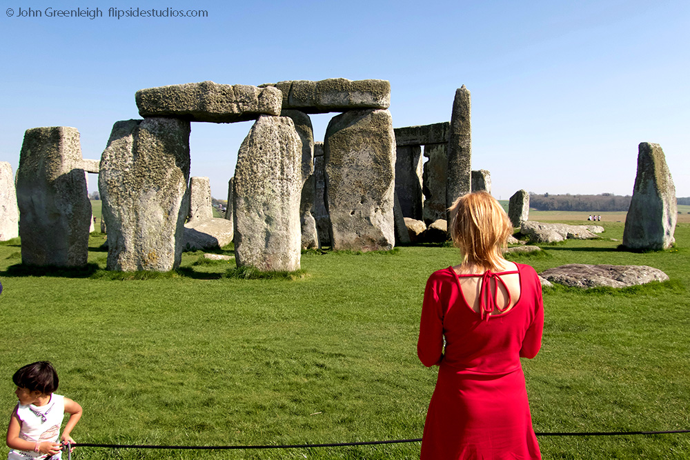 stonehenge1_lo.jpg