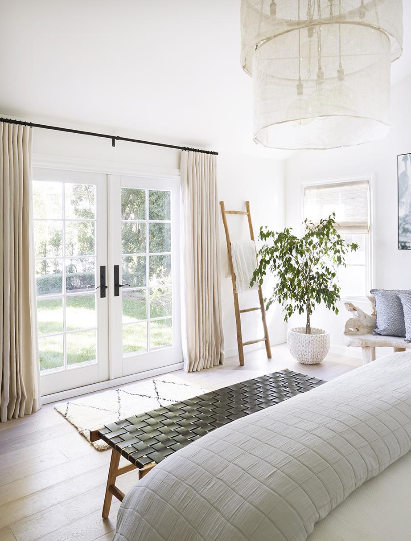 Master_Bedroom_2_016_LR.jpg