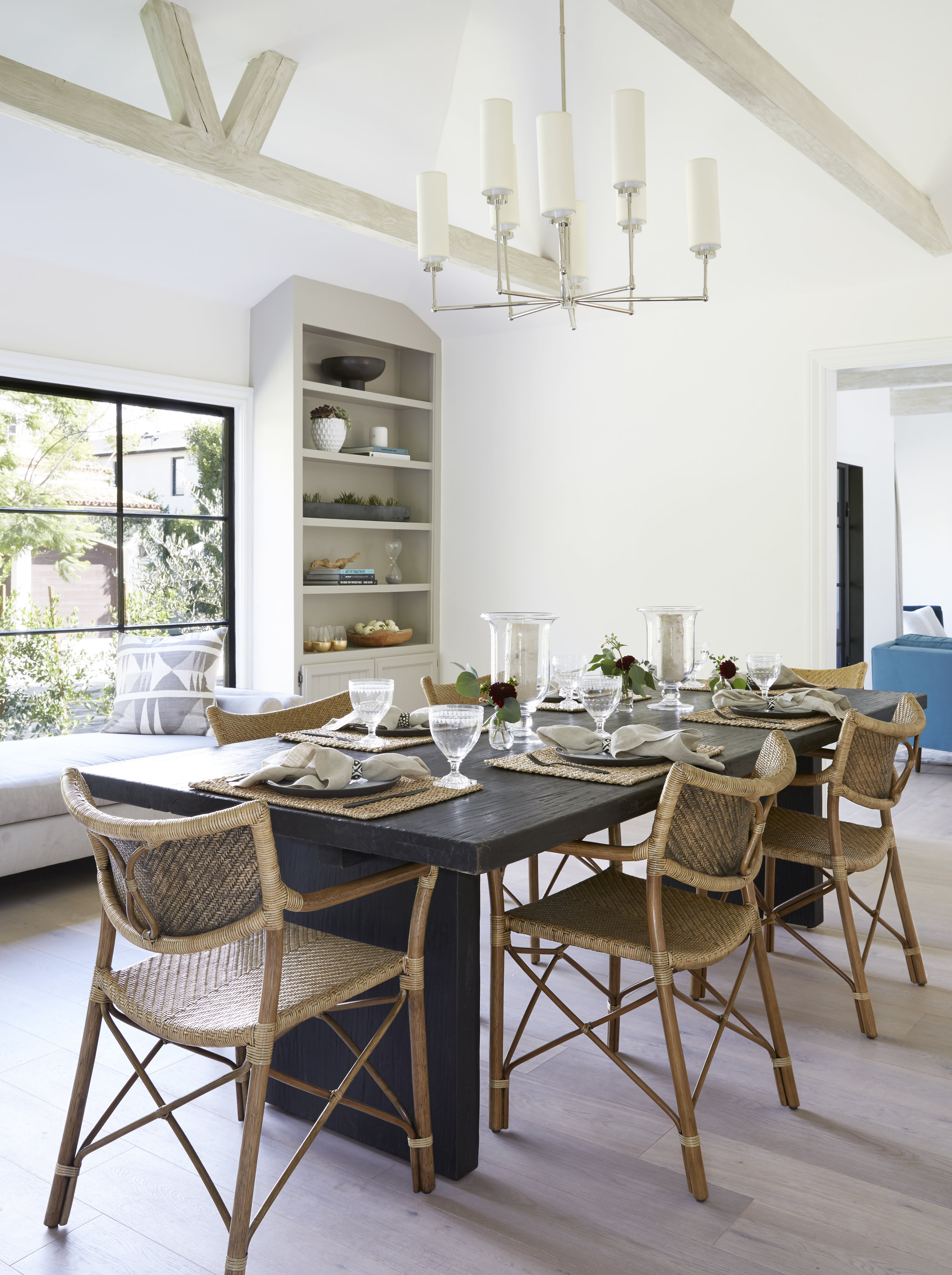Dining_Room_002.jpg