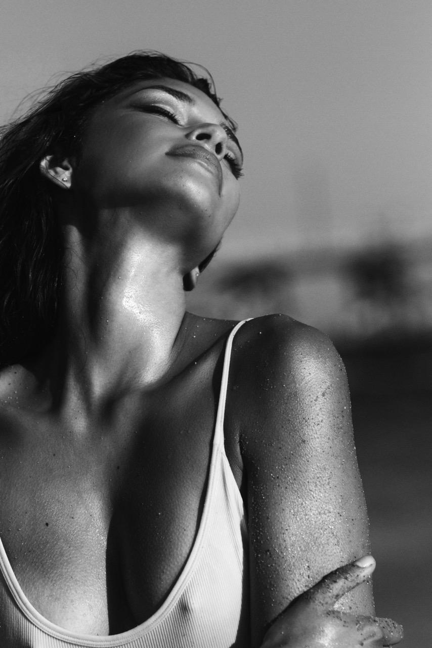 Cassie Lyons shot by Walid Azami
