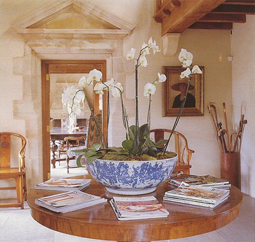blue+and+white+bowl+with+orchids.png