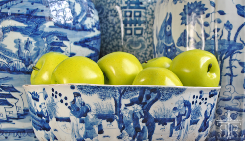 The+Pink+Pagoda+Blue+and+White+Bowl+Green+Apples+500px.png
