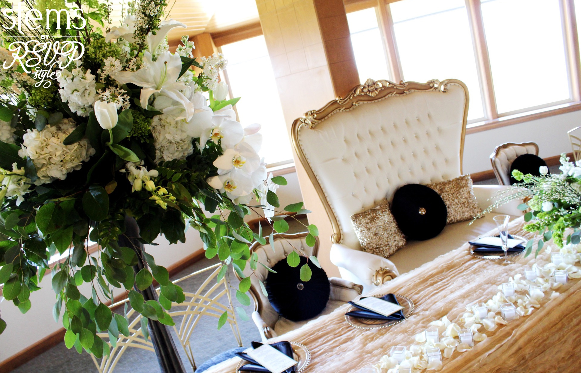 Sweetheart Settee for the Bride & Groom along with seats & settings for the Bridal Party!