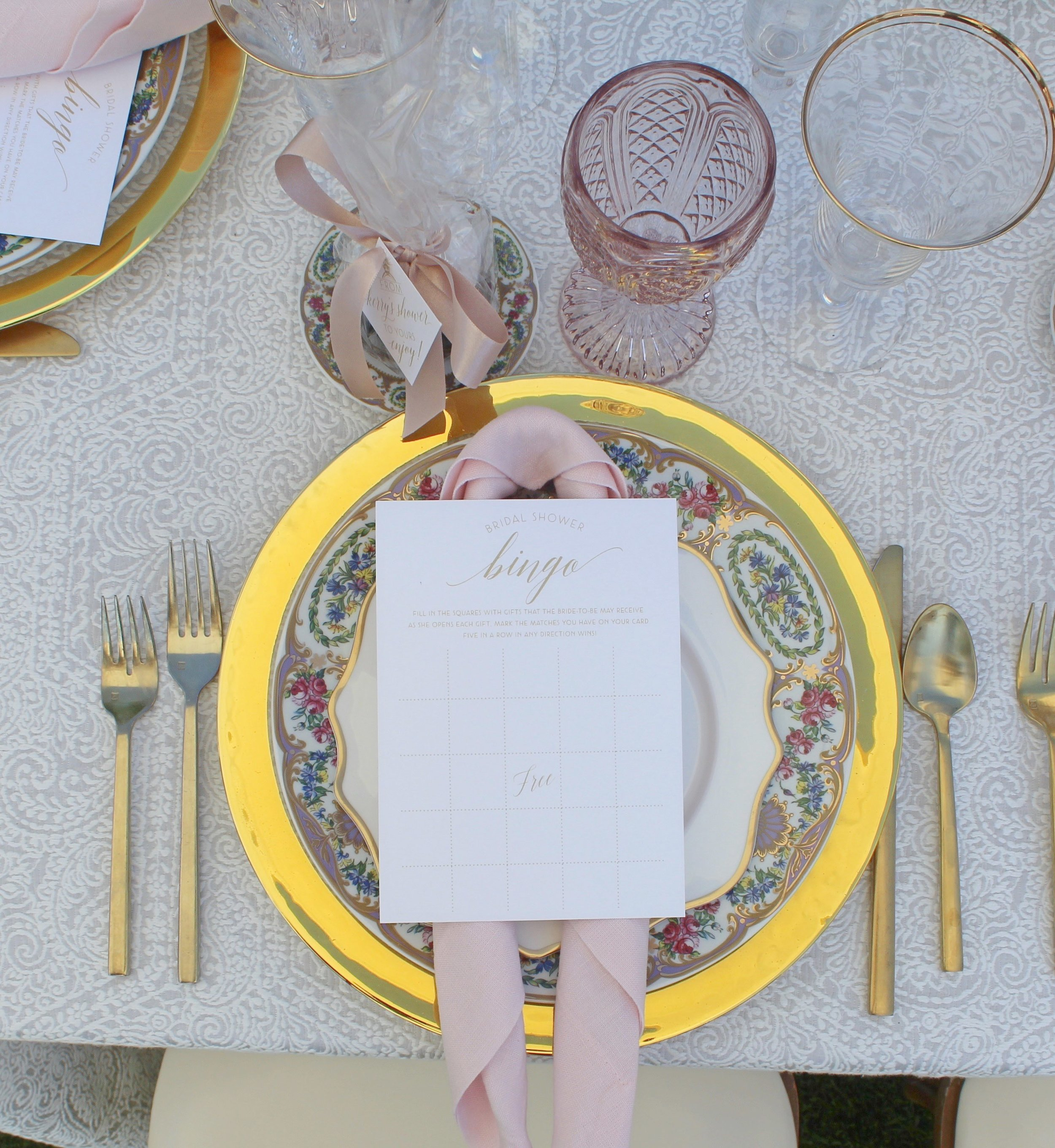 donut bridal shower table setting.jpg