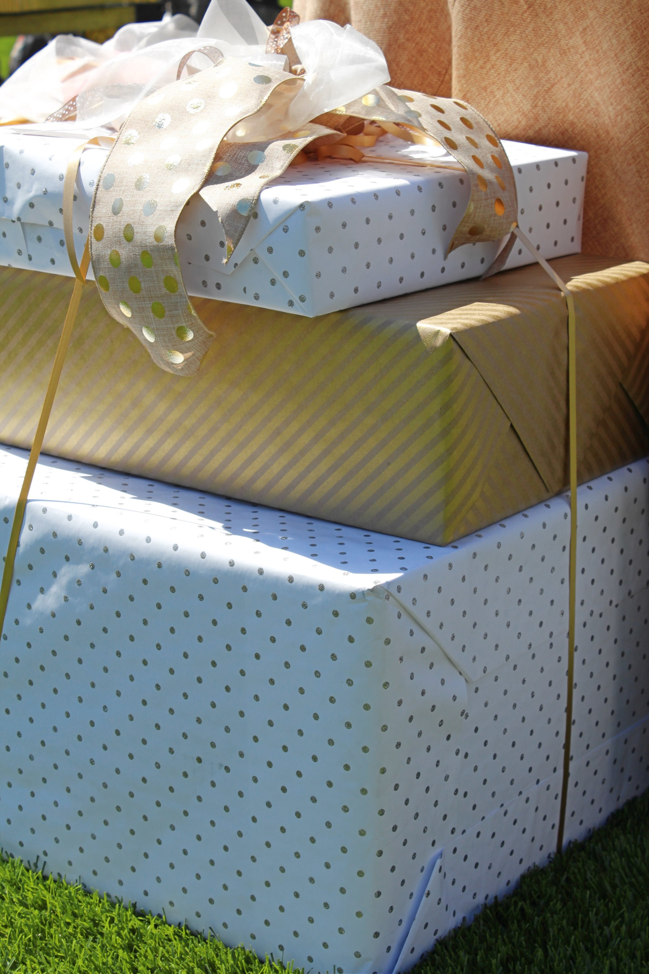 rsvp style gift wrap white and gold.jpg