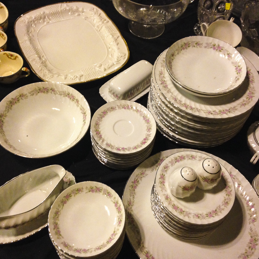 Tea house rose dinnerware