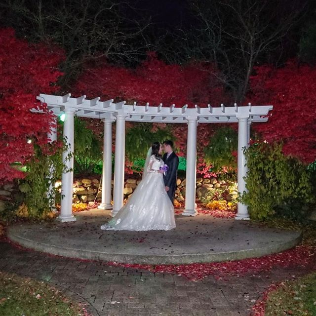 Whoa!  You cannot beat these November colors!  I love night photos.  #Novemberwedding #fall #nightphotos #Mondaywedding #AberdeenManor