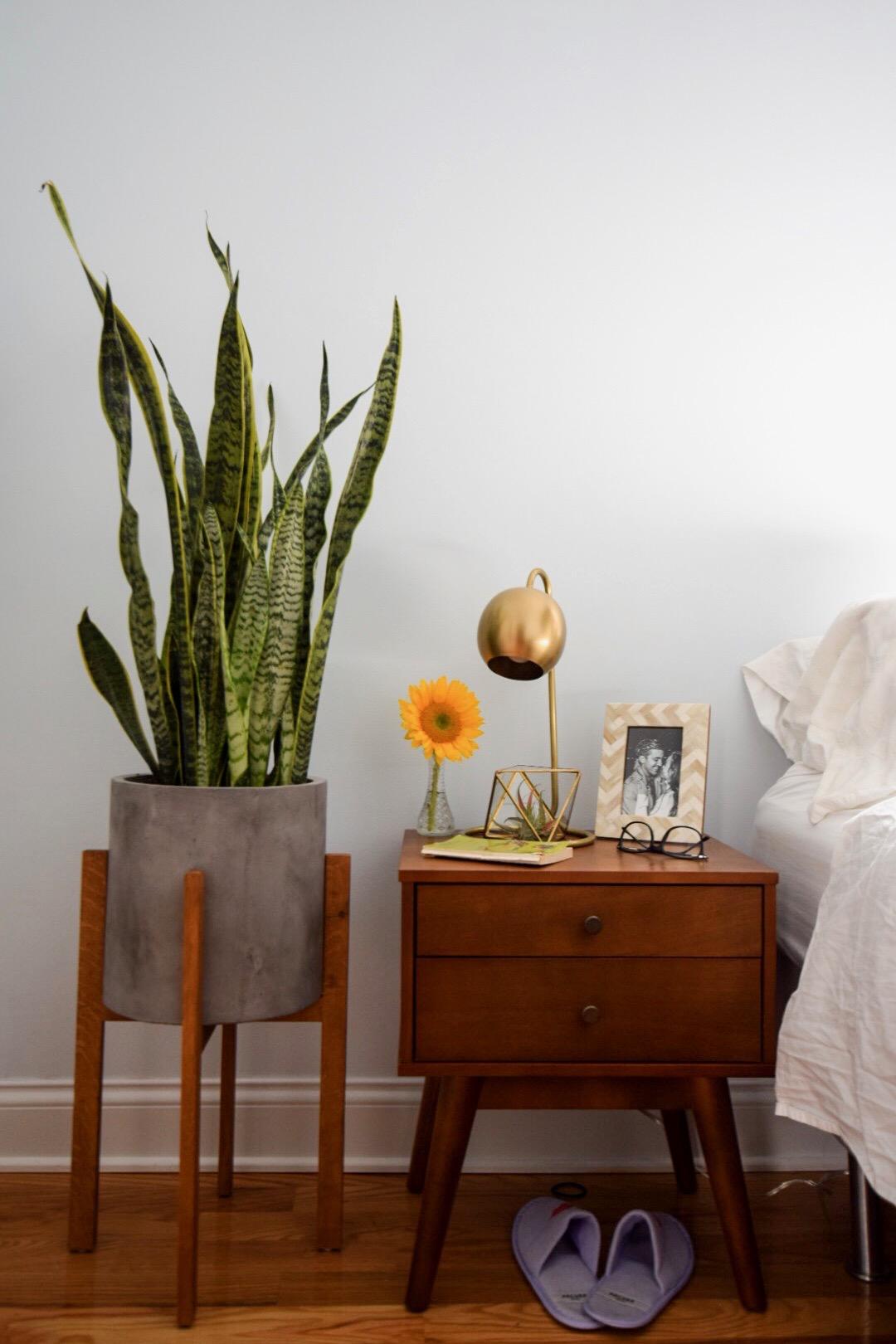 west-elm-mid-century-modern-bedroom