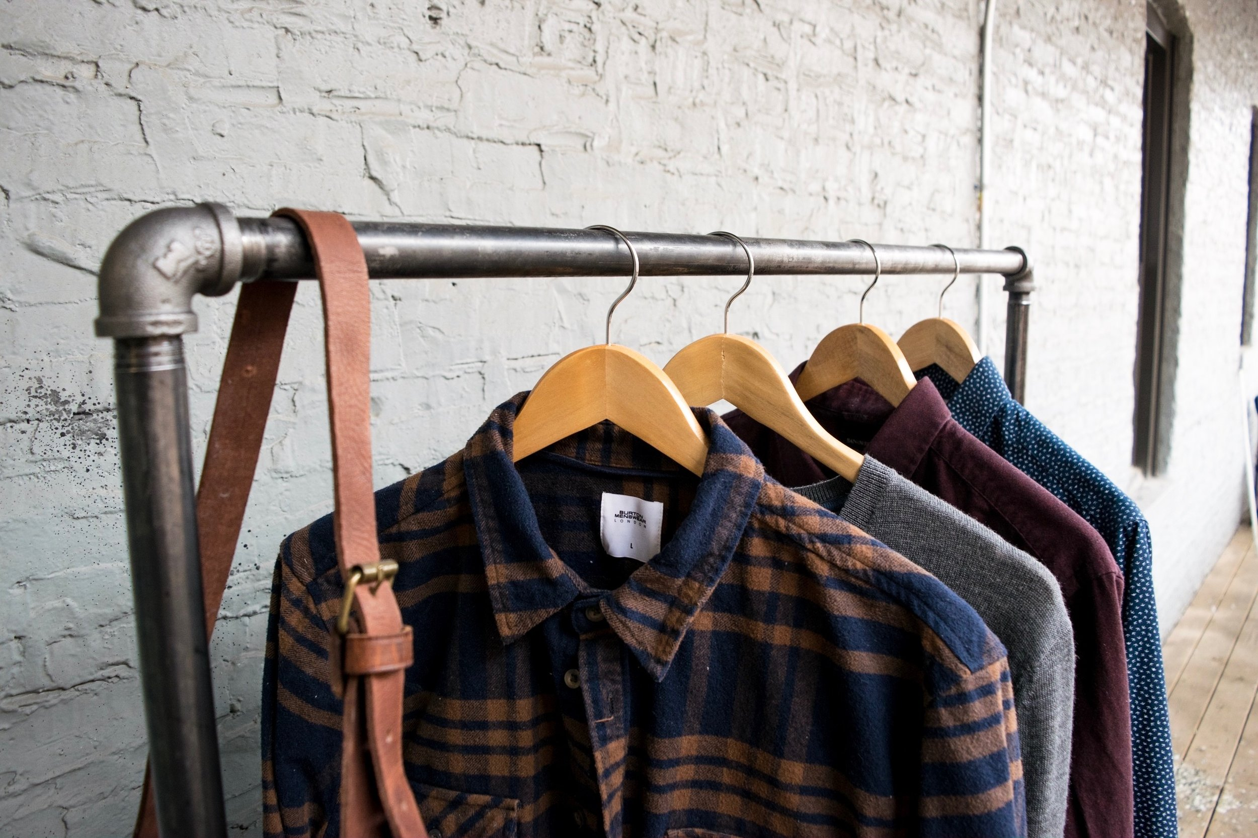 diy-industrial-pipe-clothing-rack