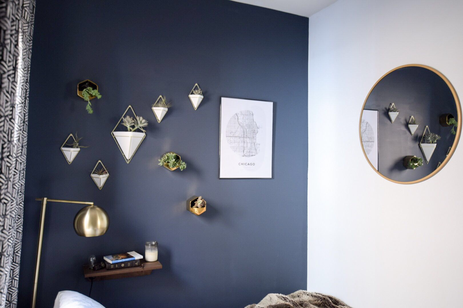 bedroom-blue-accent-wall