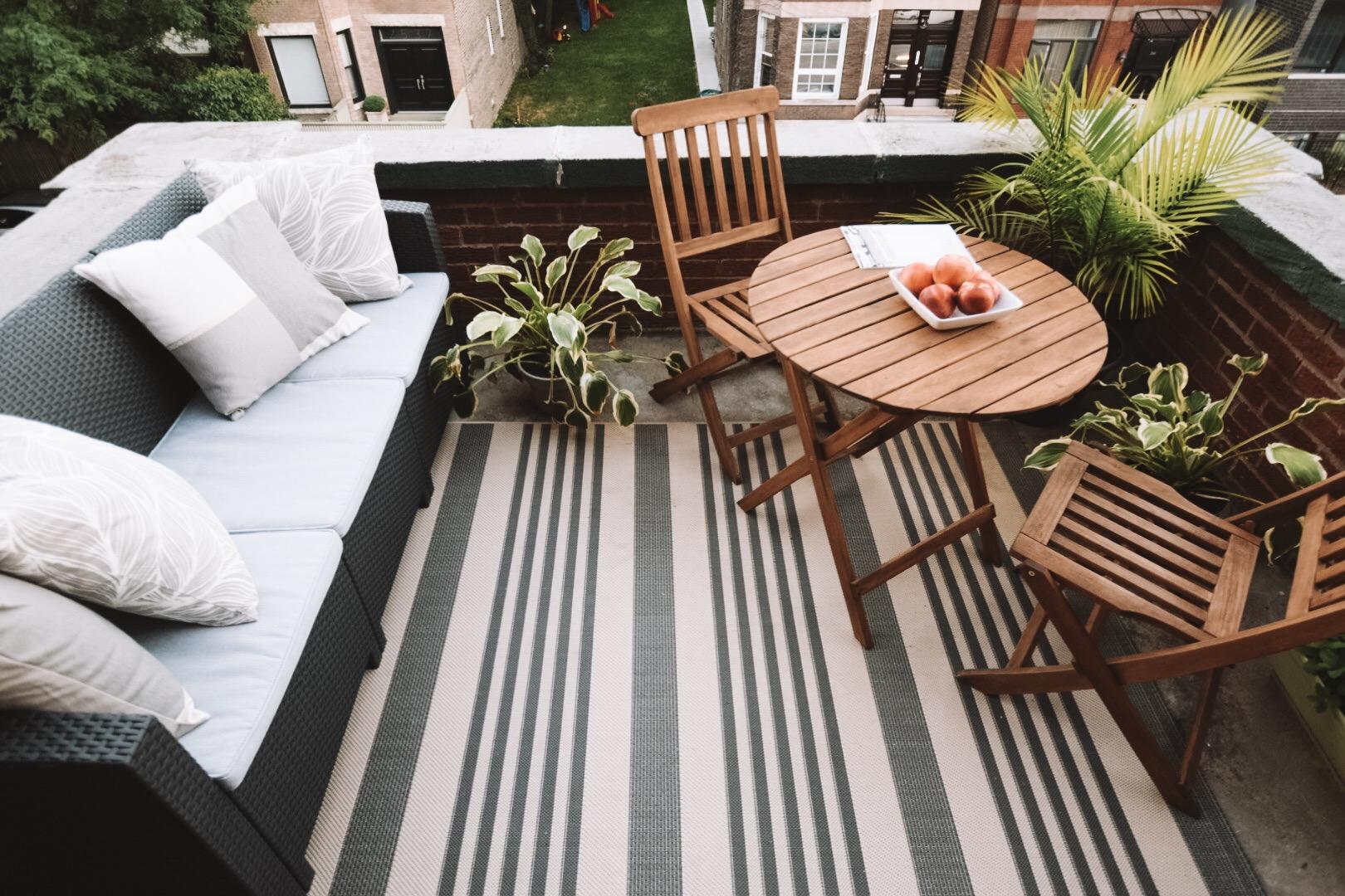 cozy-city-balcony
