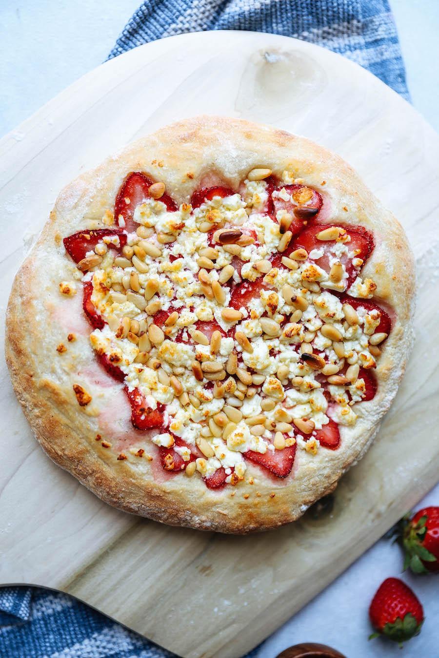 Baked Strawberry Pizza_web .jpeg
