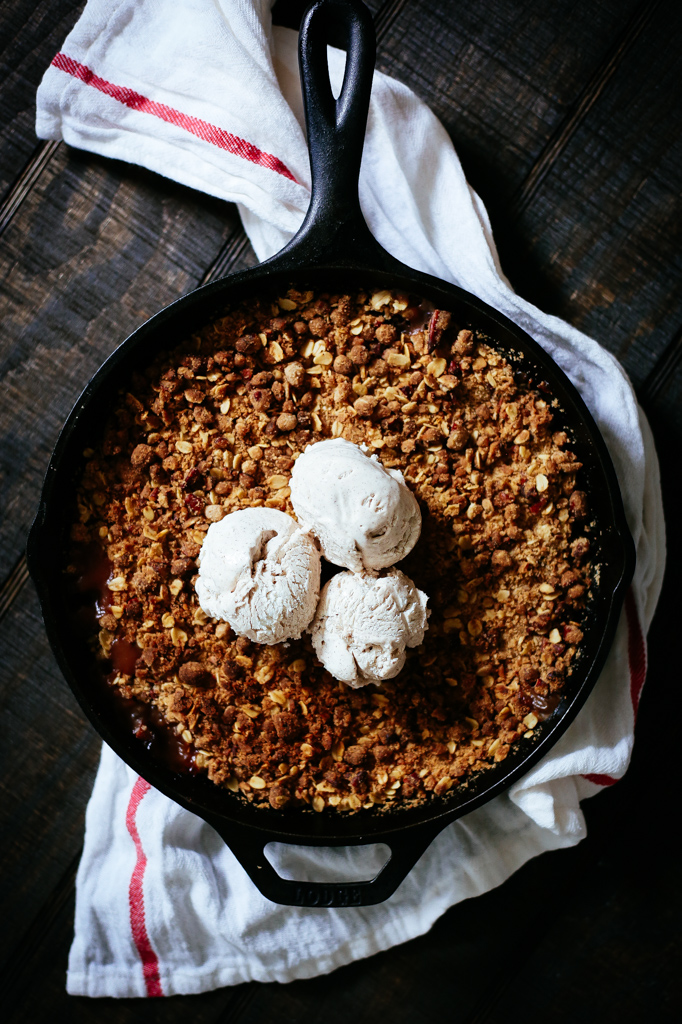 Pear Crisp with Cinnamon Spiced Ice Cream