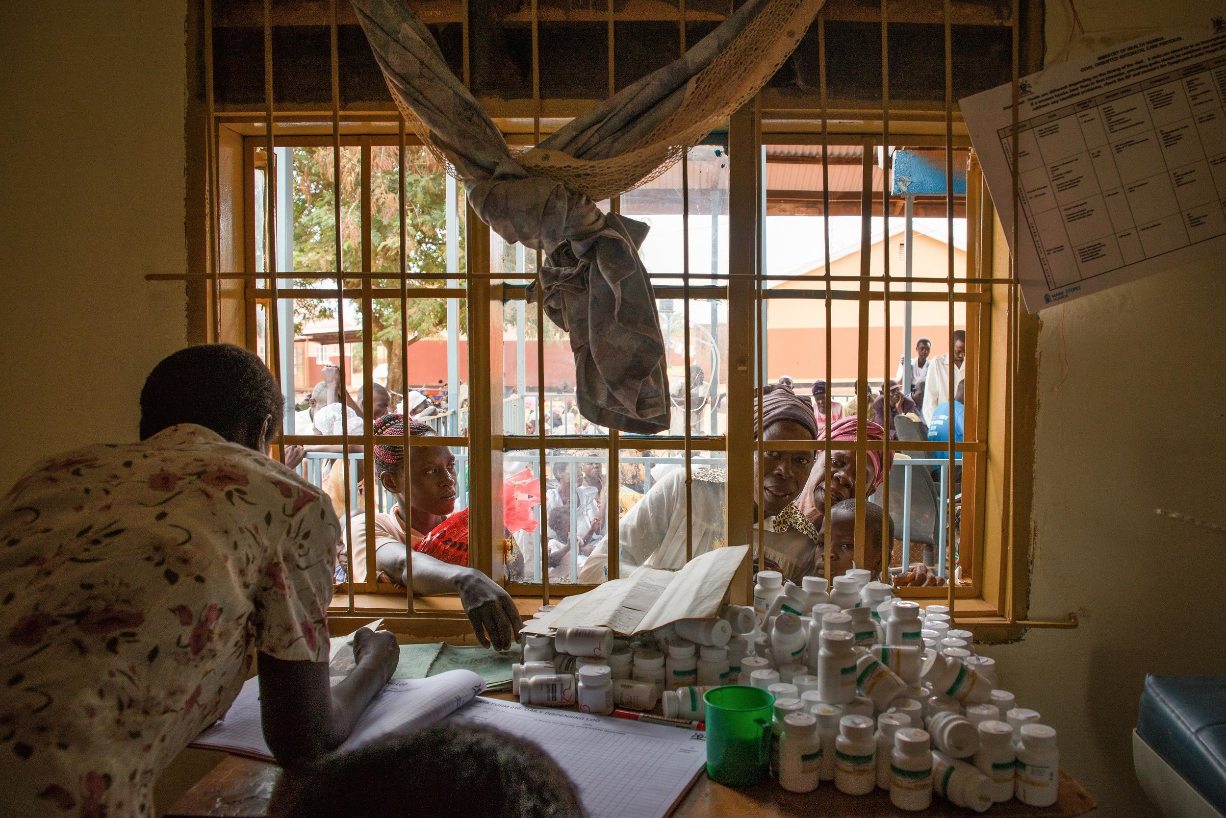 medication-distribution-uganda-hiv-aids.jpg
