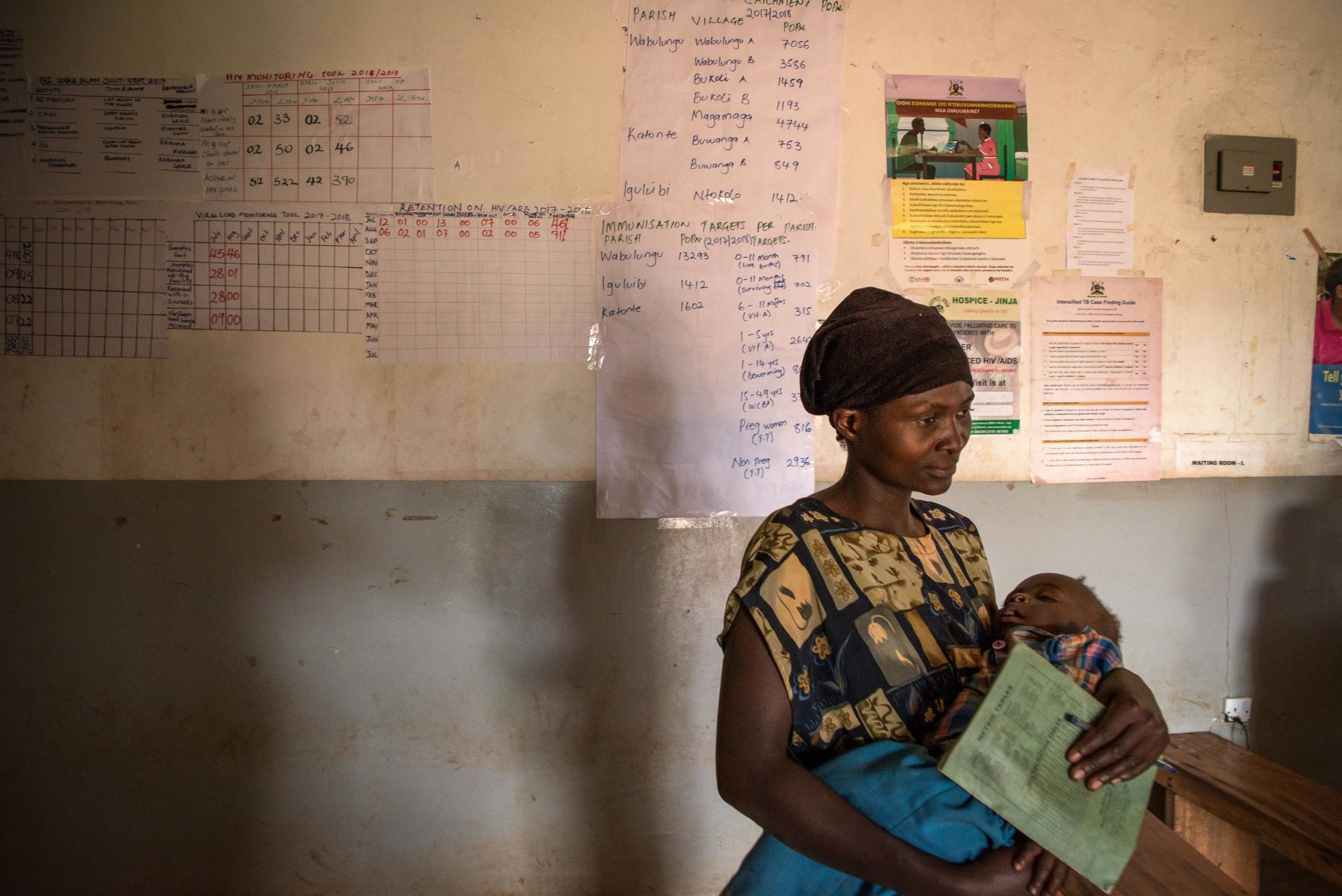 mother-hiv-aids-clinic-uganda.jpg