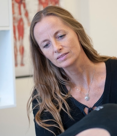 In 2000 Rikke graduated as a relaxation therapist from 'Skolen for Kropsterapi og Afspænding' and in 2006 she got certified as a cranial-sacral therapist from the KST Academy. Rikke often gets new inspiration, among other through courses at Upledger Institut, Scandinavia.  Rikke has previously been a regular therapist and ergonomic counsellor for companies as well as an external ergonomic counsellor for other organisations and The Municipality of Copenhagen. Furthermore, with nine years of experience from a health shop Rikke has great experience with and knowledge of natural medicine and supplements.