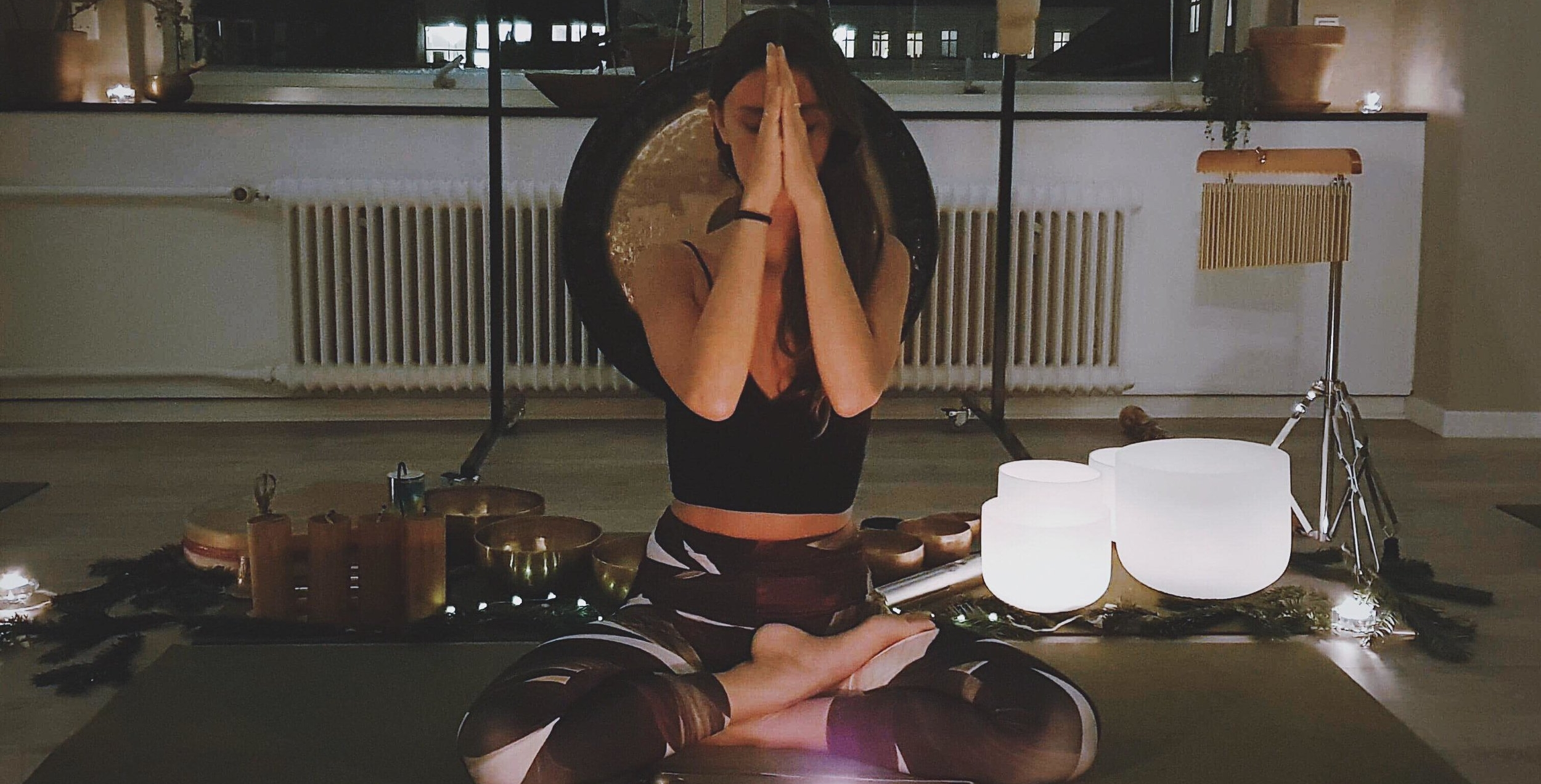Soundbath-the-yoga-flat-faye-full-moon-yin-yoga-copenhagen