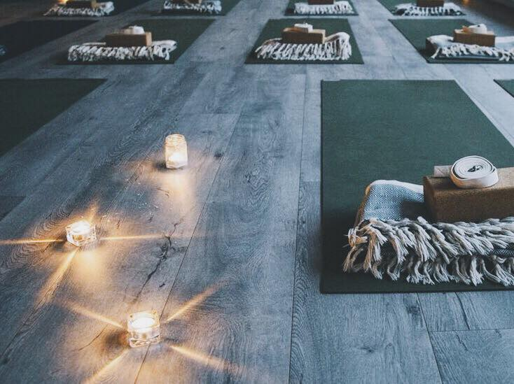 Soundbath-yoga-flat-yin-full-moon-copenhagen