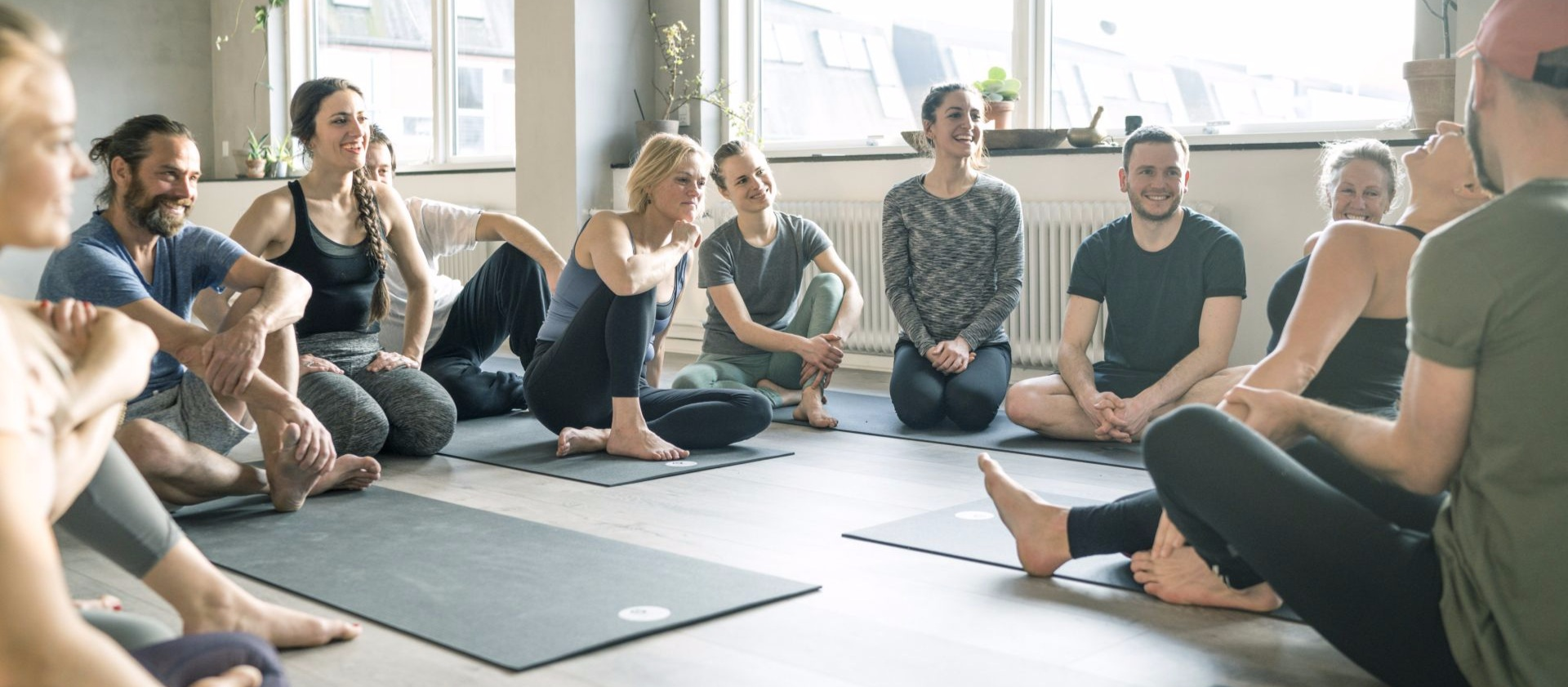 Communite-chant-theyogaflat-copenhagen-yoga-flat