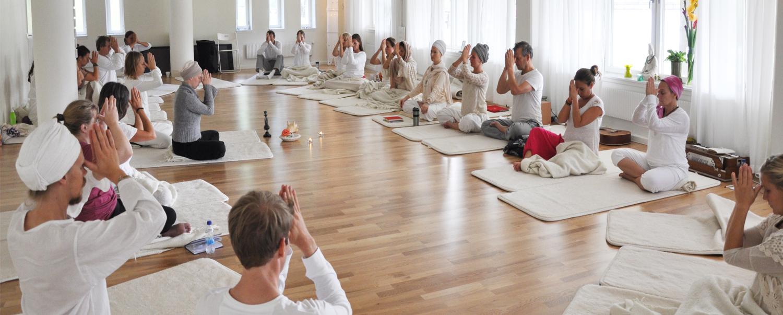 Kundaliniyoga-the-yoga-flat-workshop