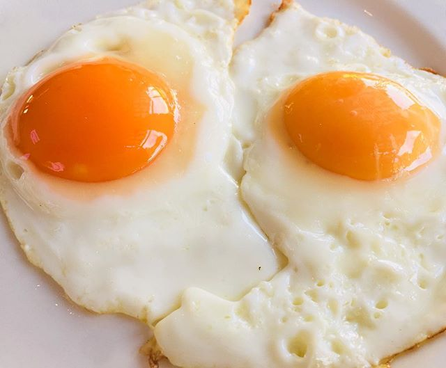 A couple of sunny side up eggs are a perfect start to a day, like these lovelies from Gazebo Restaurant inside the Crowne Plaza Hawkesbury near Windsor NSW #eggs #egg #yolk #breakfast #brunch #eat #crowneplaza #windsor #tasty #delicious #restaurant #nsw #flashback #sydney #sydneyfoodblogger