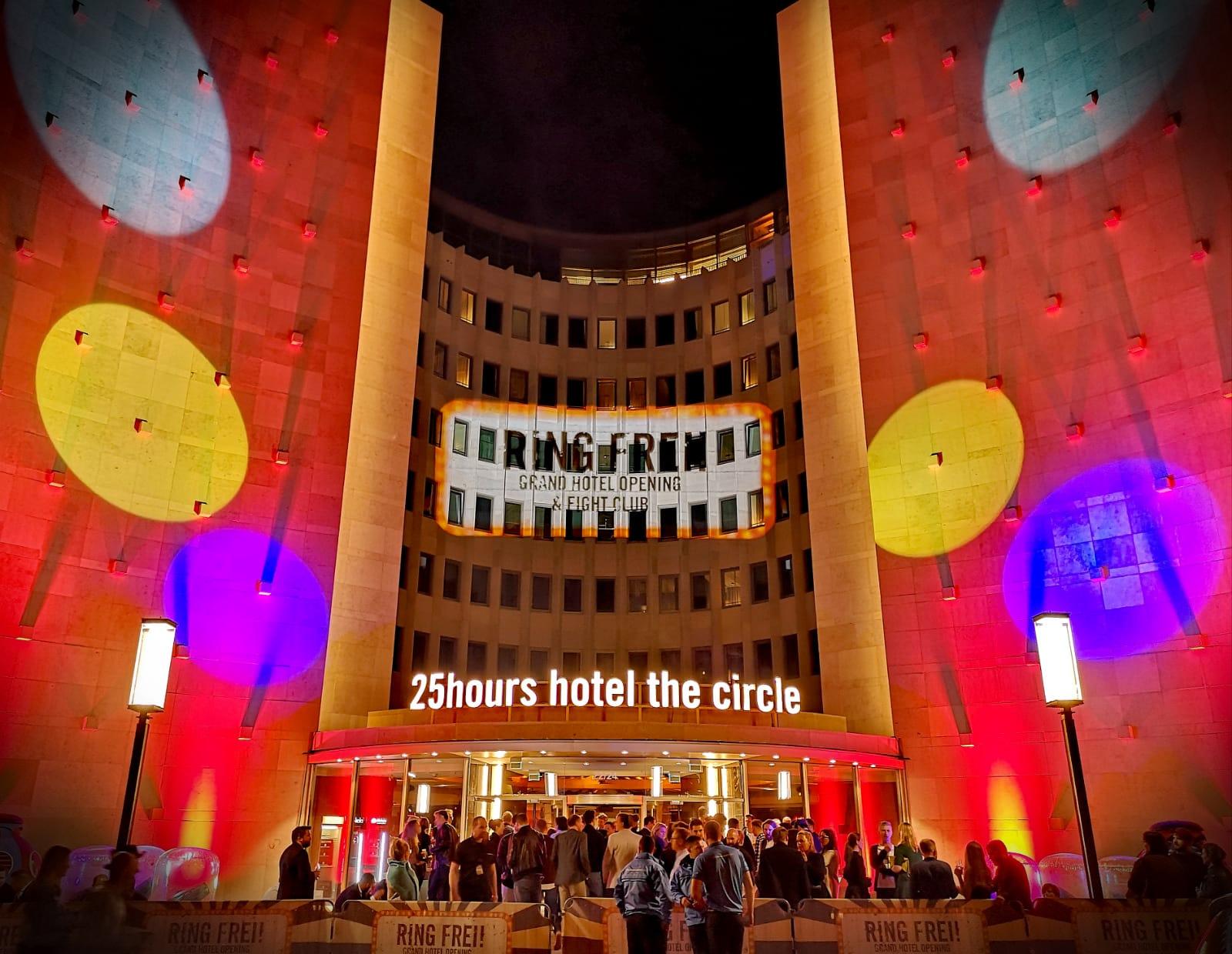 001_MATT_CIRCUS_180907_25hourshotel_opening_2_001.jpg
