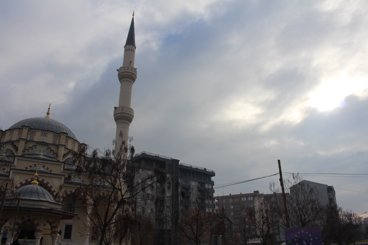 © Matthew Williams/The Conflict Archives: The Bay Rampasa Isa Bey Merkez Camii Mosque in southern Mitrovica. The town was a key railway town for Ottoman soldiers garrisoned there in the 19th century.
