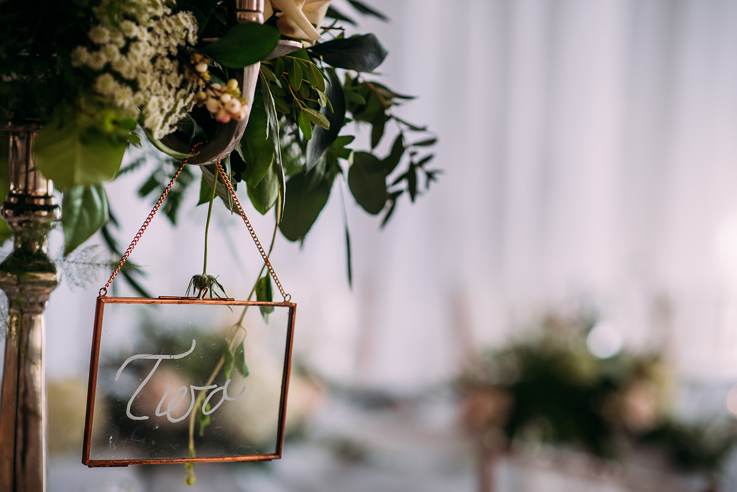 wedding details, flowers on the table