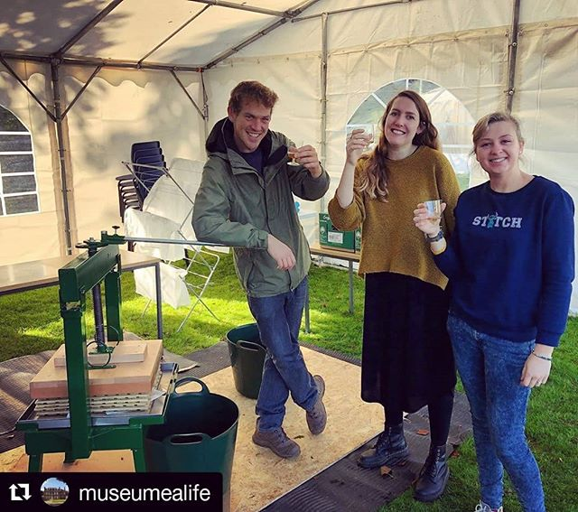 Pressed our own apple juice at work today in preparation for Cider and Song this weekend 🍏 🍏 🍏 ・・・ Sampling the first juice with the apple press ready for Saturday! Why not bring your apples along to be pressed? #apples #applepressing #ciderandsong #applejuice
