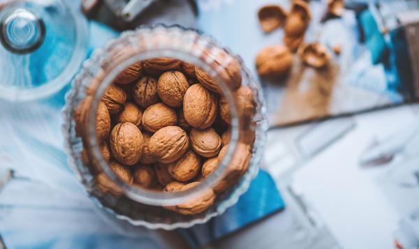 bare-biology-health-tim-blakey-the-big-fat-confusion-walnuts_b92efc58-16b1-4a18-b73e-fb248a3a3d27_grande.jpg