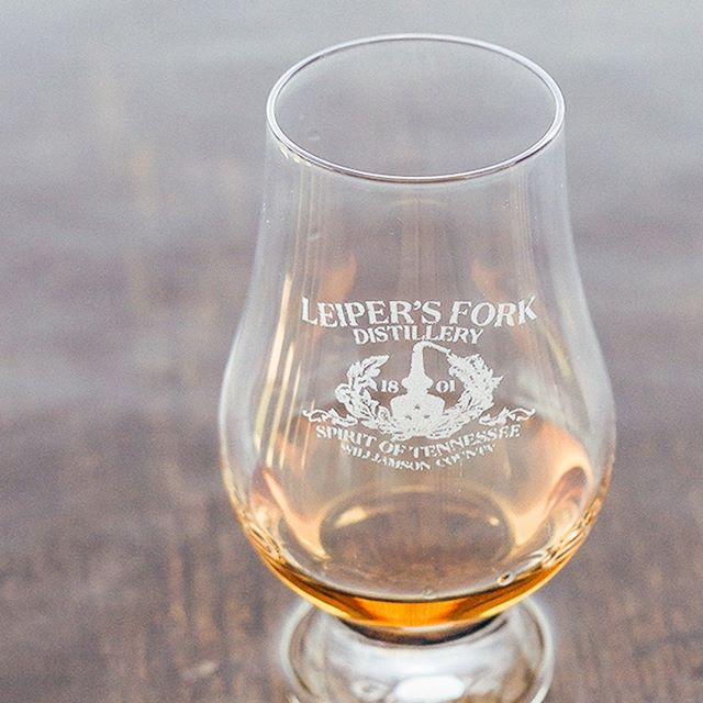 A Glencairn of Hunter's Select will do you well. This whiskey has the maturity one would expect of its age, with vanilla and caramel notes and a soft finish.⁣ .⁣ .⁣ .⁣ #bourbonlifestyle #bourbon #whiskey #TNWhiskey #TnWhiskeyTrail #smallbatch #smallbiz #distillery #spirits #graintoglass #tennesseewhiskey #tastingroom #whitewhiskey #mixology #craftspirits #handcrafted #smoothfinish #happyhour #brownwater #singlebarrel #whiskeyporn #imbibe #rye #highonrye #glencairn #whisky #glencairnglass #whiskytime #whiskybar #tastingsession