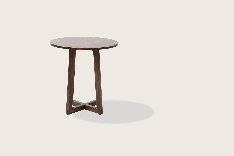 Finn Side Table in solid walnut - Speke Klein