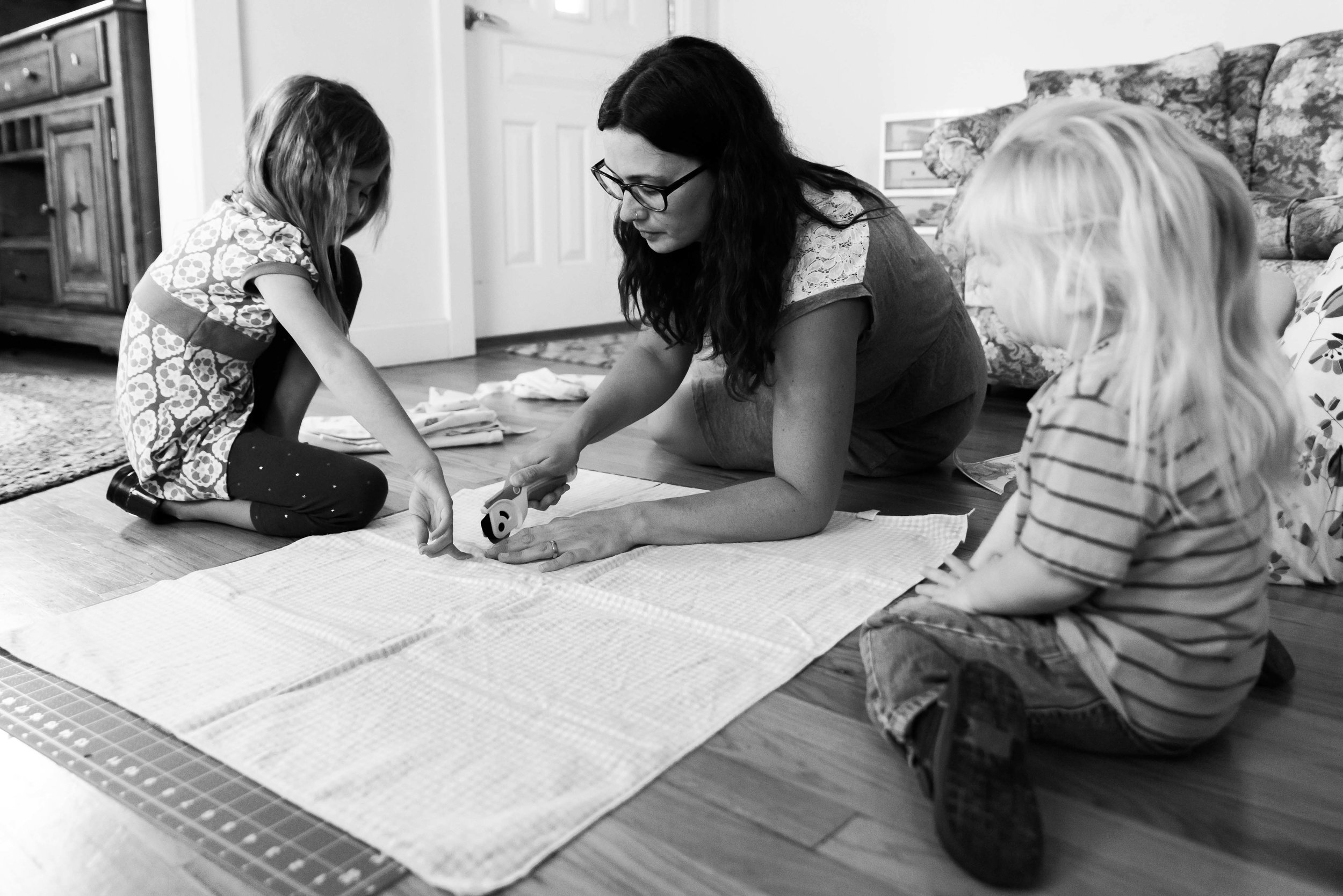Family Photographer In Home 2017-21.jpg