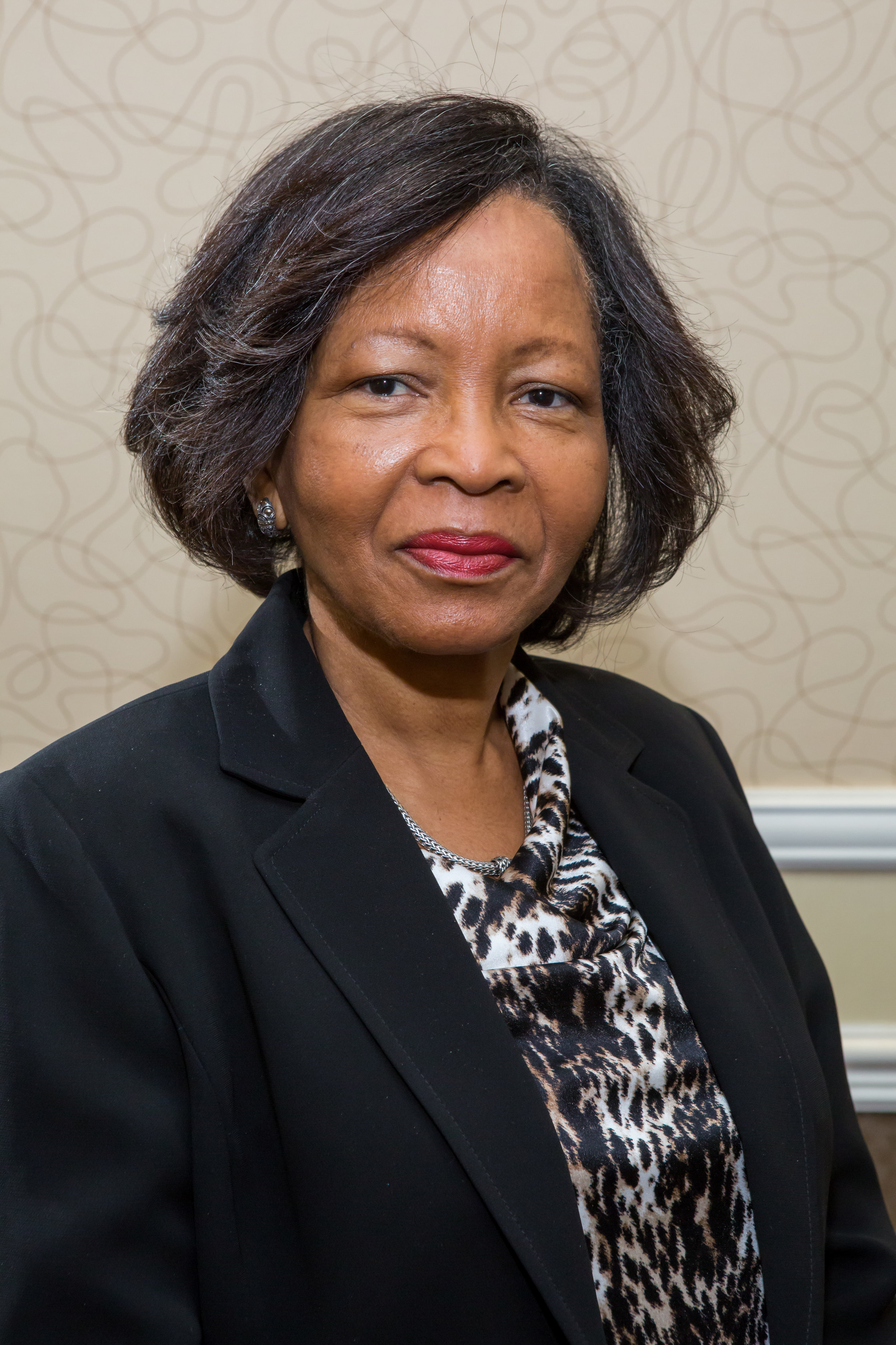 Valoris Smith <br >Lecturer<br >University of Technology <br >(Jamaica)