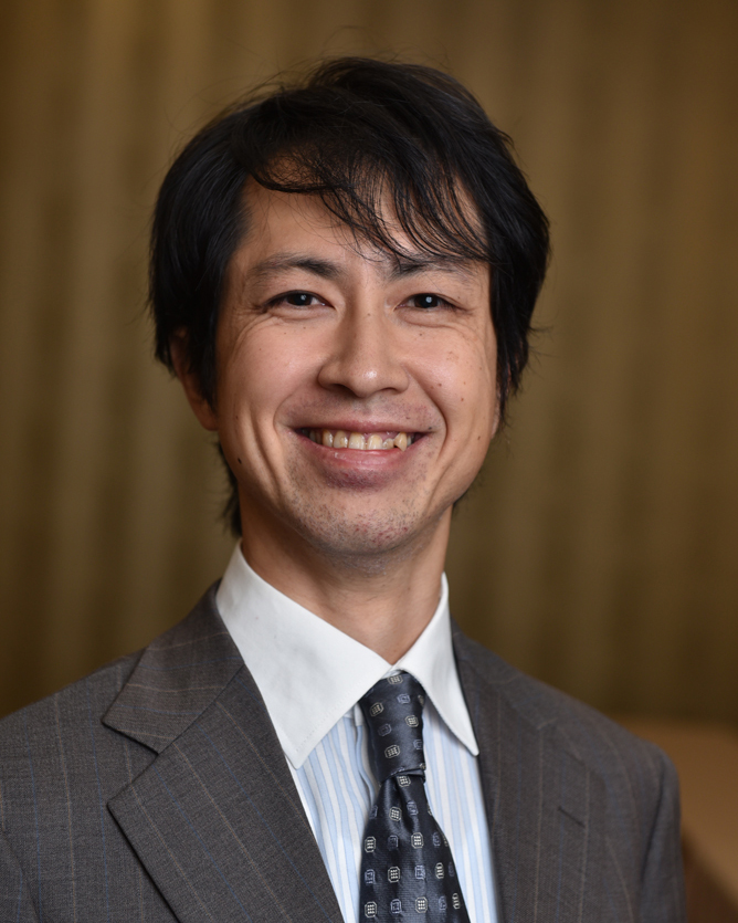 Naoto Nadayama<br> Kanagawa University, Japan<br> International business