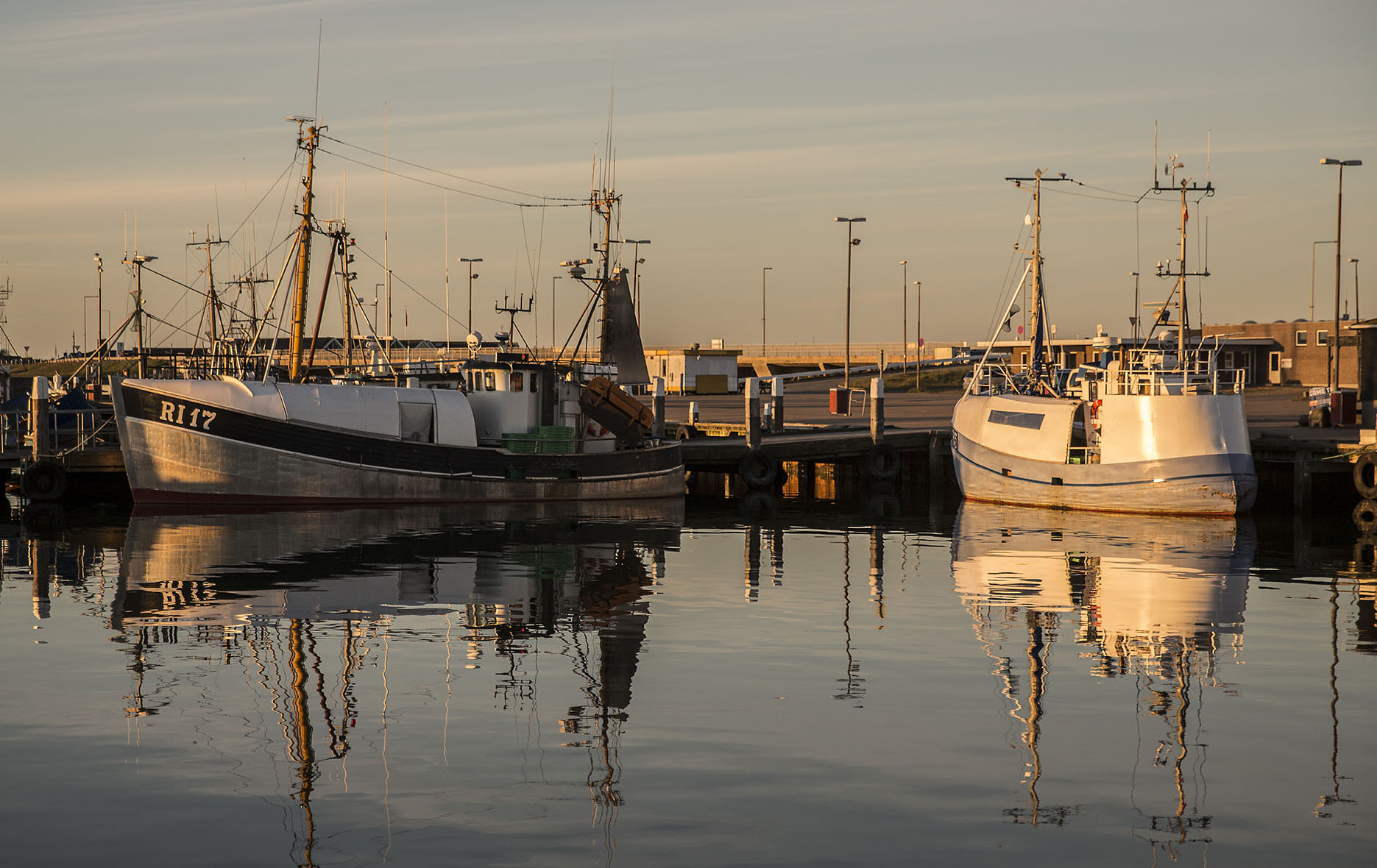 HS16_ls_fISHING_hARBOUR-WEB.jpg