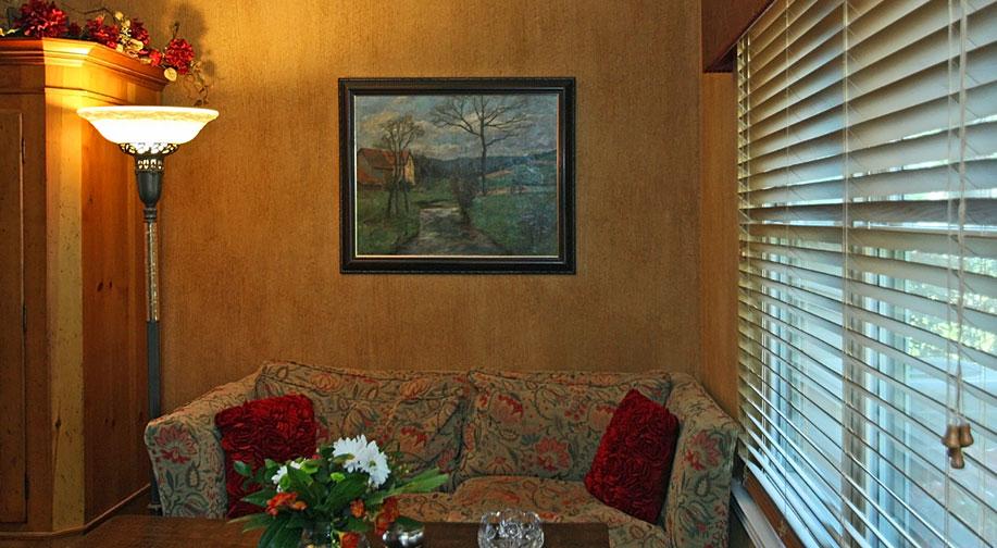 new_livingroom1_lg.jpg