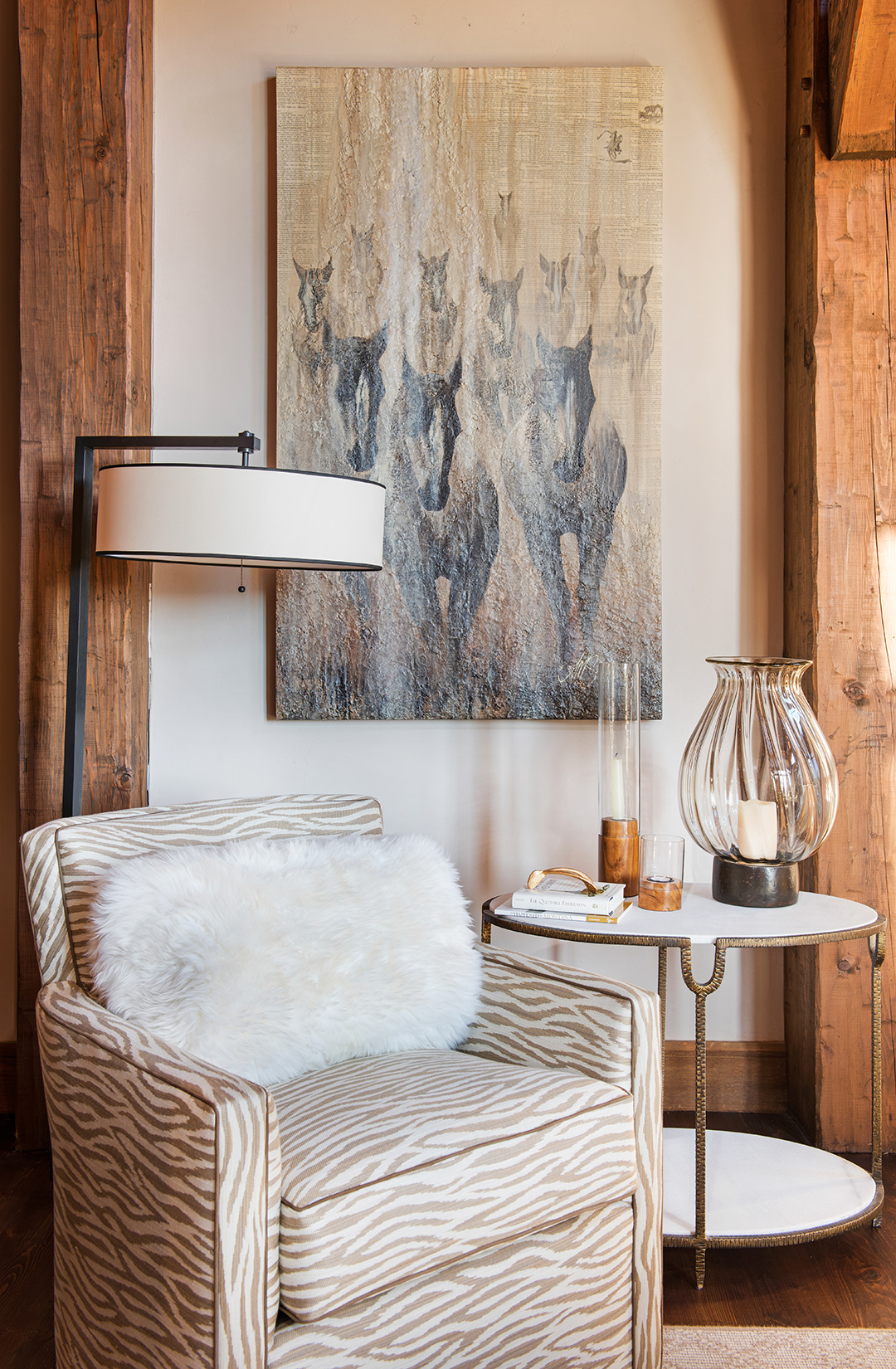 I love every bit of this corner, the art, the furnishings, even the candles! Interior Design -  Varda Interiors