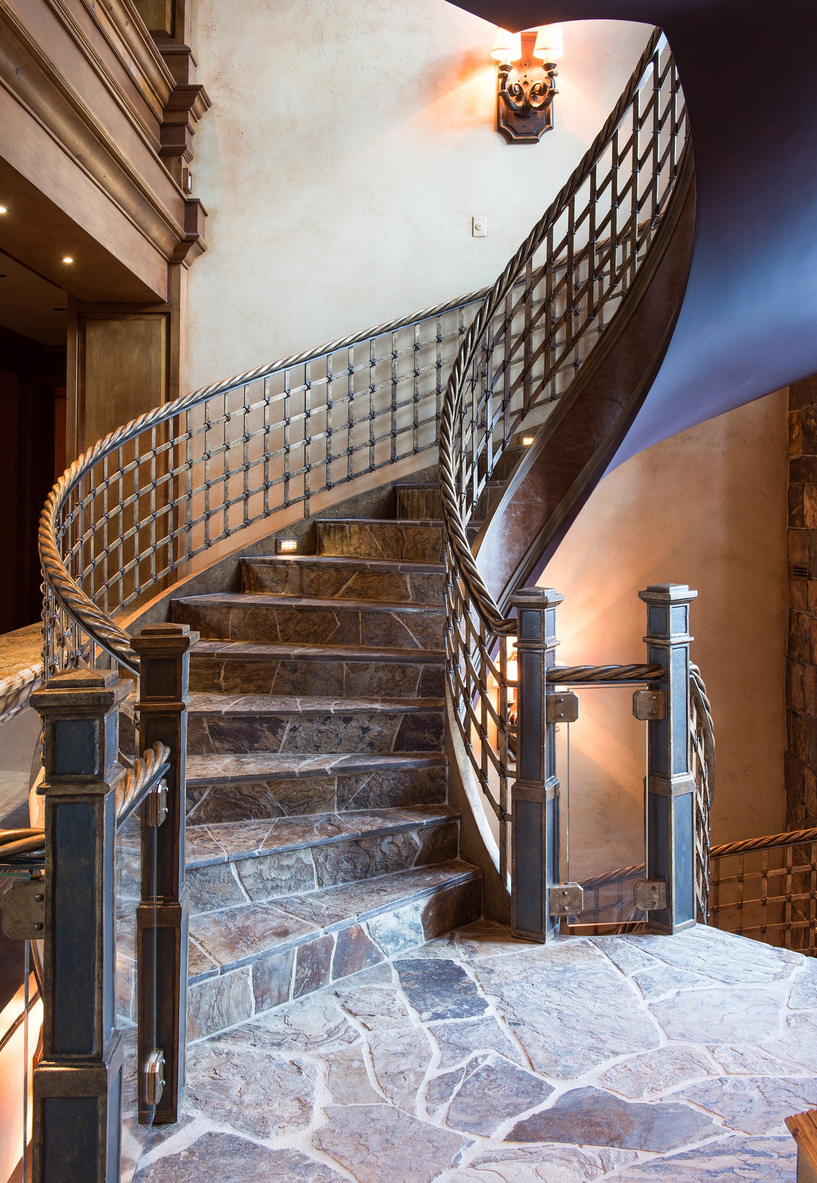 This staircase is a piece of art in itself!!