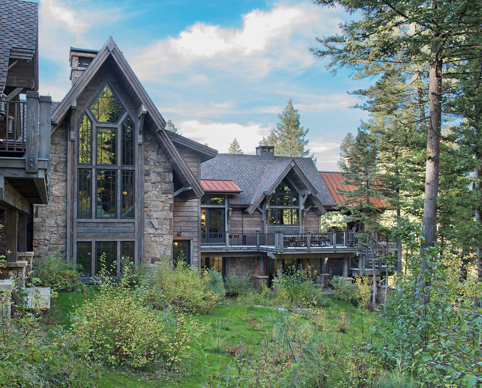 The home backs up to forest service land and has a quiet, privacy to it.