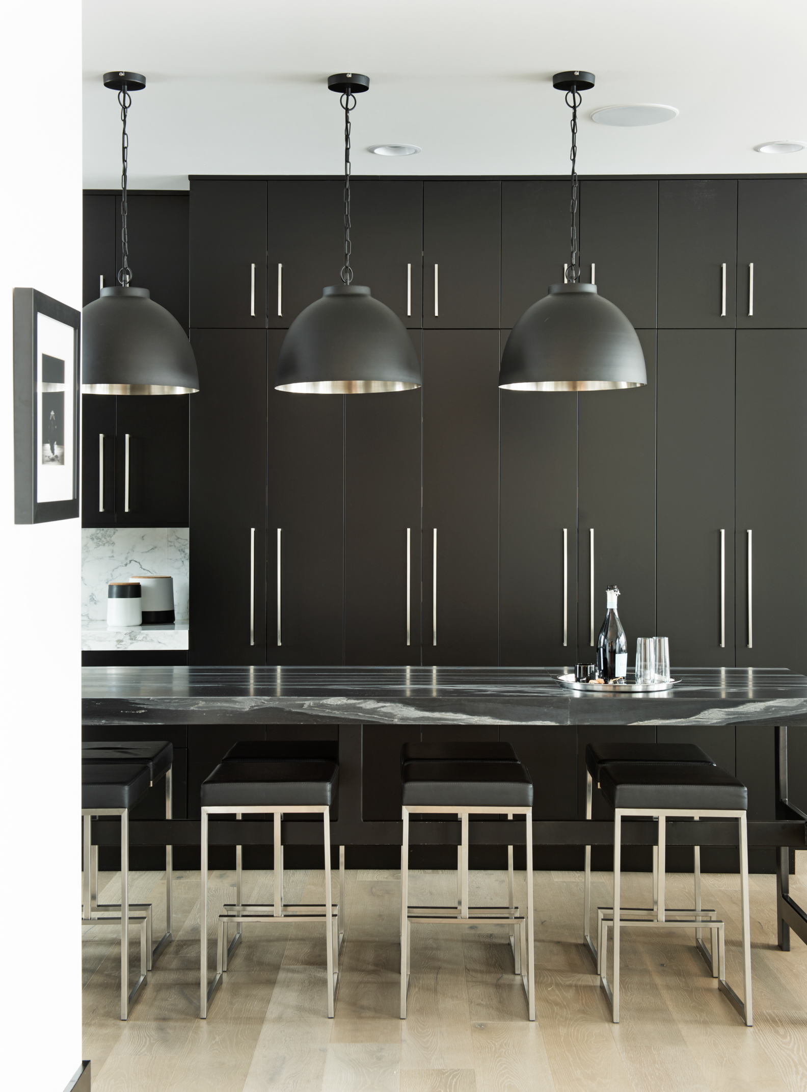 This is my favorite shot of the day. The lines and again the blacks and whites. This is such a classic, stylish kitchen.