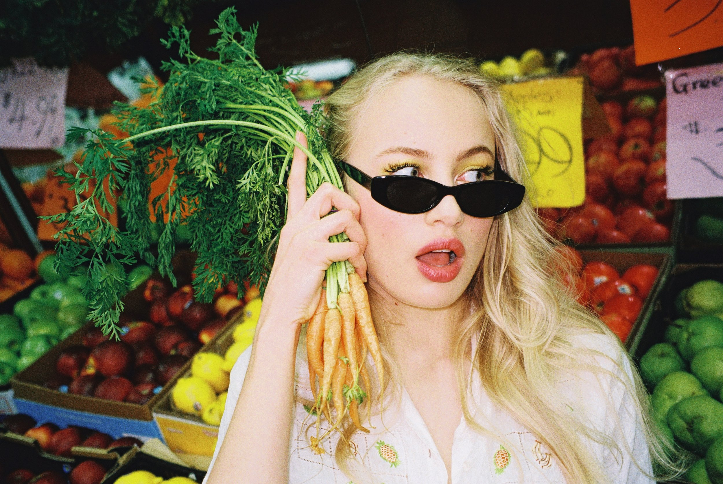 fruit_shop_carrots.JPG
