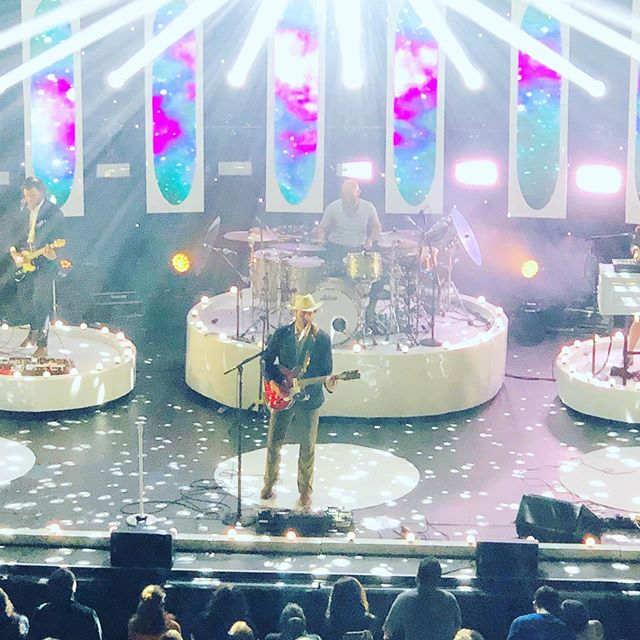 My amazing husband treated me the best 8th year anniversary gift - @lordhuron live! Absolutely phenomenal! #lordhuron #livemusic #kingstonny #anniversarygift #abgutrist