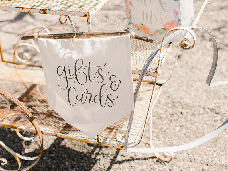 MH_Photos_WeddingSigns-2.jpg