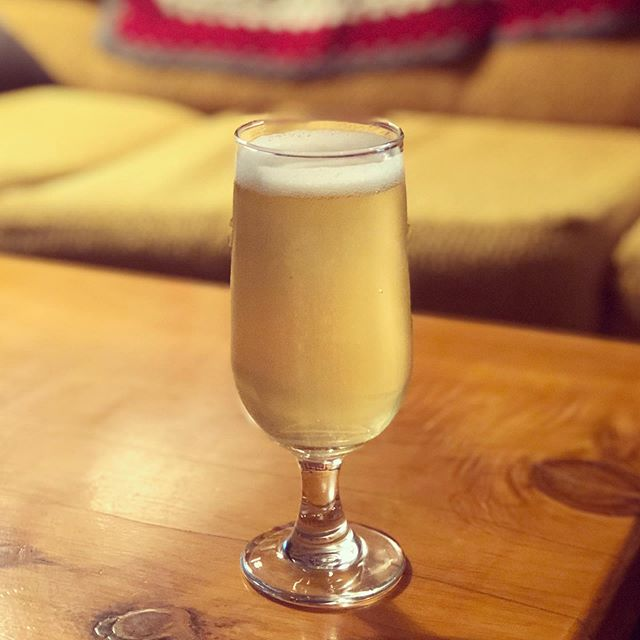 It's our pouring privilege to now have @threewisebirds on tap with their delectable pineapple Dusk Patrol cider. It's like a mid-winter tropical escape in ya mouth.