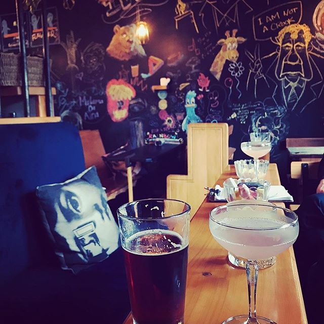 #Repost @lucibush with @get_repost ・・・ #drinks #christchurch #cocktails #family #craftbeer #theinstitution