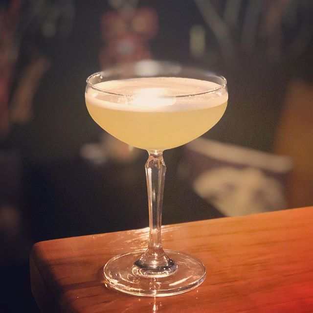 We're feeling a lil fruity here at The Insti - with this week's Cocktail Of The Week - Froot Salad. A refreshing melody of apricot, peach liqueur, vodka, pineapple and a splash of lemon. #fruity #5+aday