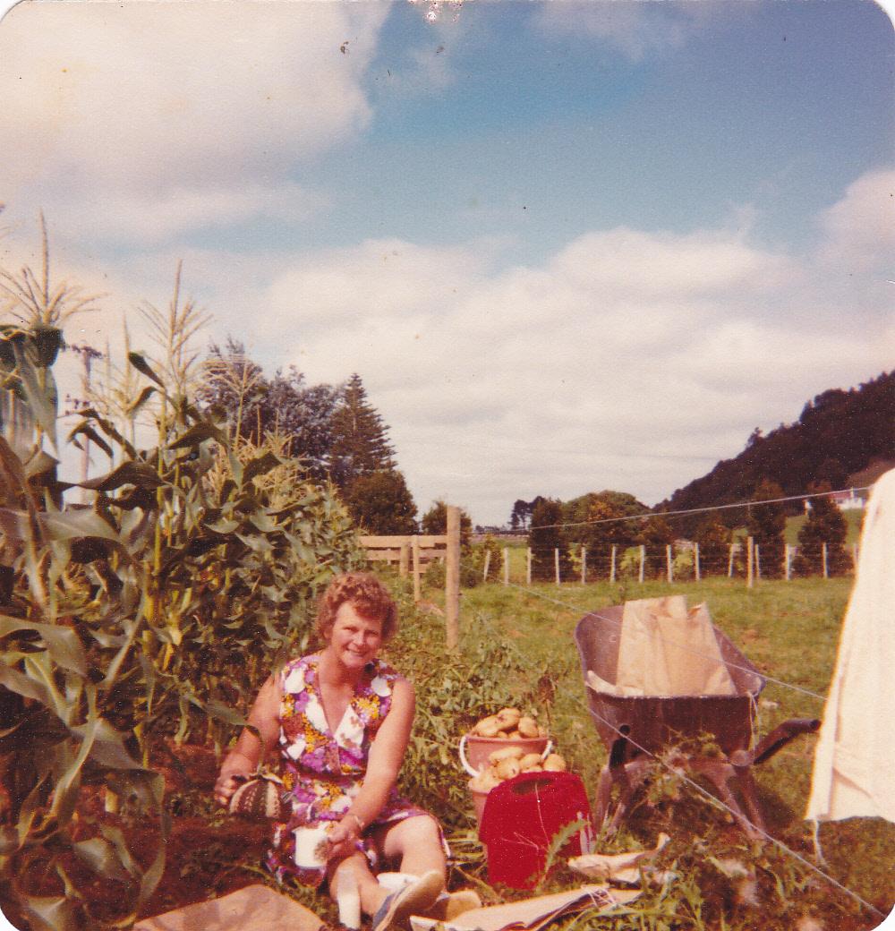 Ruth's garden _0005.jpg
