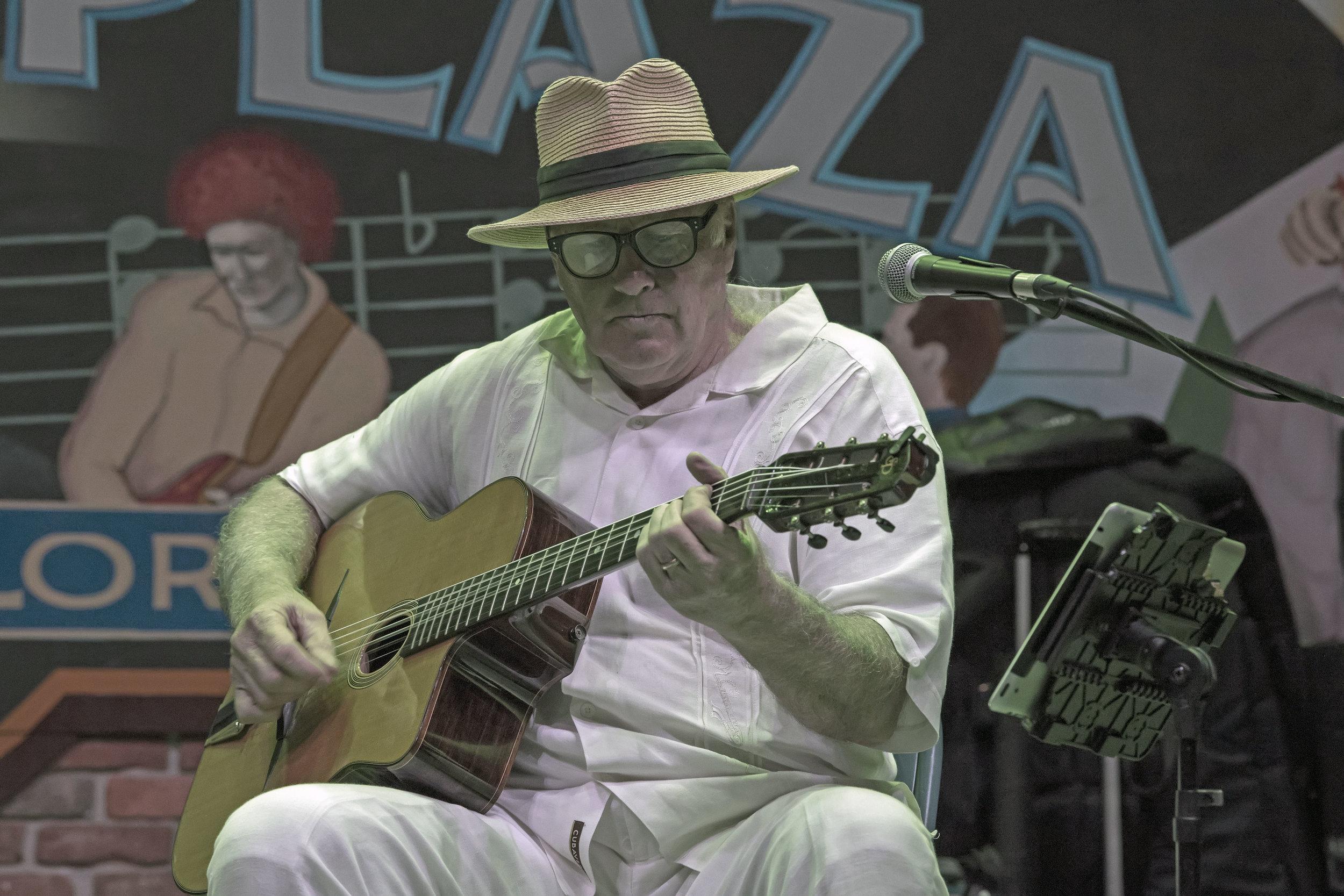 Marty Liquori (photo by Suzanna Mars).jpg