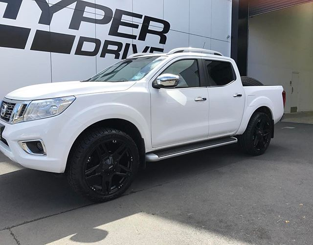 Awesome looking @nissan Navara NP300 with a new set of 22 inch BGW Wheels and @nittotire #nissan #navara #np300 #bgw #nitto #hyperdrivenz